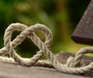 knot in the shape of a heart