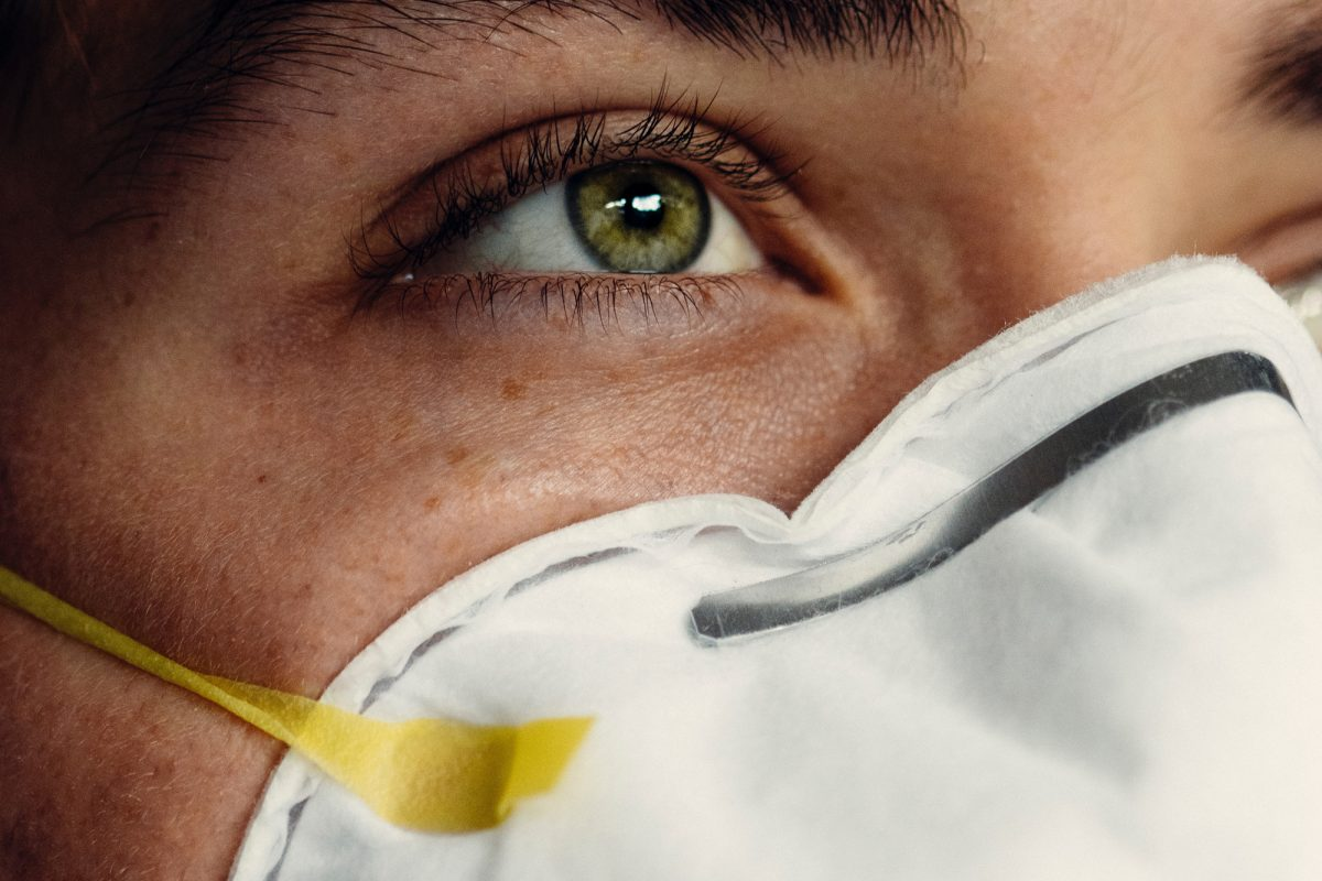 woman wearing an N95 mask